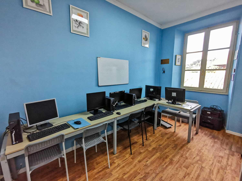liceo-artistico-paritario-san-giuseppe-laboratorio-informatica